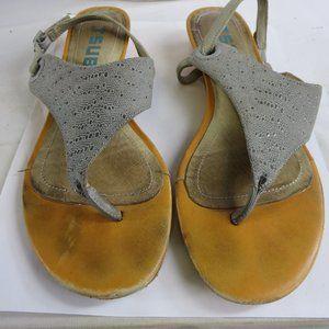 Tsubo Ladies Faux Snake Skin Gray Wedge Sandals